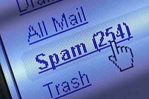 Due indirizzi principali e mail usa e getta. La strategia base per prevenire