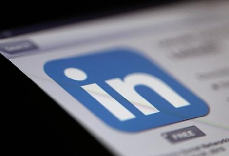 LinkedIN Intro per iPhone. La Privacy violata e l'assenza di Apple