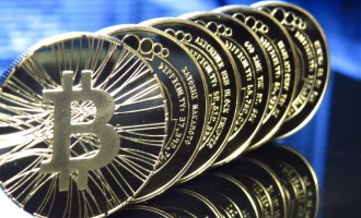 Come si usano i Bitcoin, tra vantaggi e pericoli. Intervista