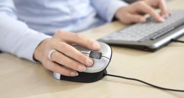 Prevenire le tendiniti usando il mouse ergonomico