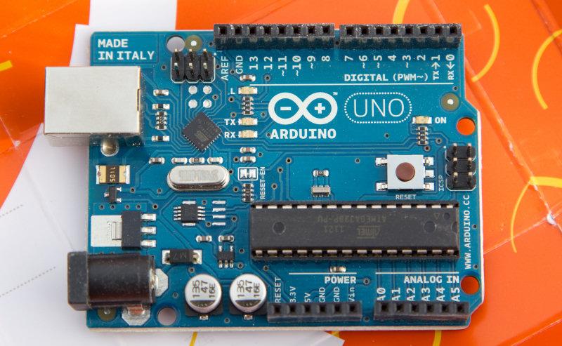 """Samsung Artik: annunciata la partnership con Arduino e i suoi componenti """"open""""."""