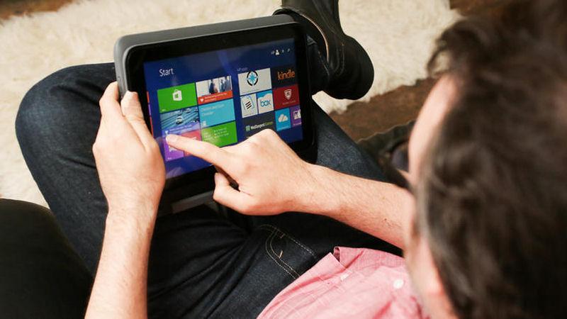 PC Hp Pavilion x360: ripiegando lo schermo, il laptop si trasforma in un tablet.