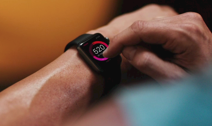 Apple Watch. Come personalizzarlo e configurare app, preferenze e contatti