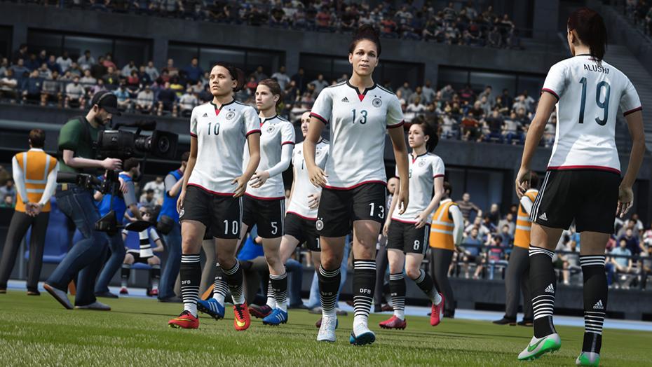 FIFA 2016 vs PES 2016: arriva il calcio femminile