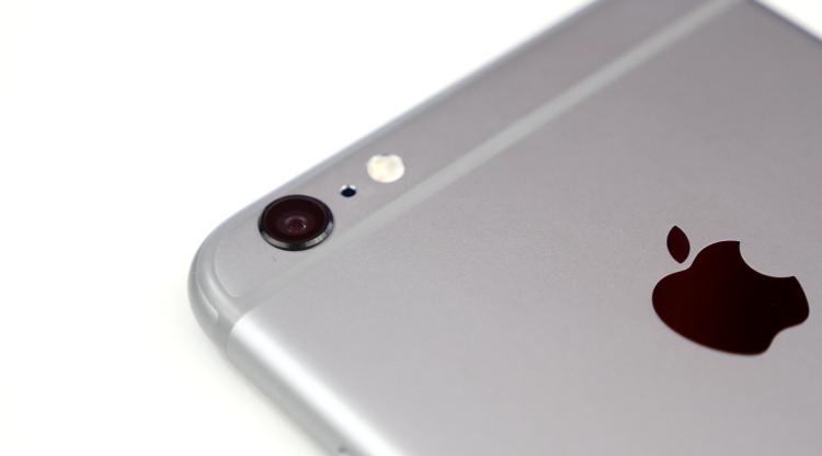 iPhone 6 Plus. Recensione: la fotocamera principale da 8 MegaPixel è dotata di stabilizzatore ottico e consente di girare video in slow motion