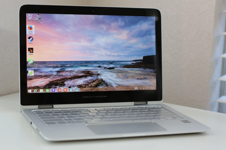 Il nuovo HP Spectre x360 è un laptop ibrido che combina efficienza e costi bassi. Ecco la recensione