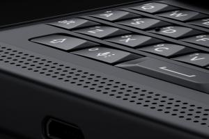 Blackberry Priv: la tastiera QWERTY estraibile segue in pieno la tradizione Blackberry