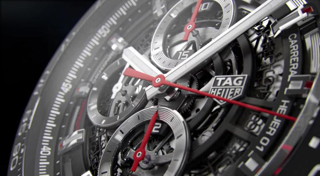 Tag Heuer Smartwatch inserisce un processore Intel Atom, che garantisce veramente una grande potenza di calcolo.