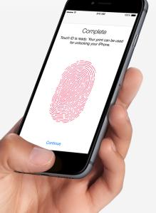 Come proteggere iPhone 6S: Touch ID permette di integrare una password biometrica, basata sull'impronta digitale