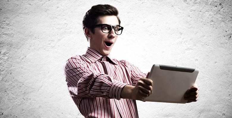 Potere, ammirazione, soldi. Le webcam girl hanno le loro ragioni. E voi dovrete essere pronti a contraddirle