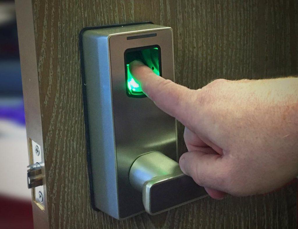 Riconoscimento Biometrico dell'impronta digitale
