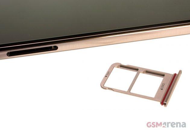 Huawei Mate 10 pro supporta due Nano SIM. La connettività è molto buona