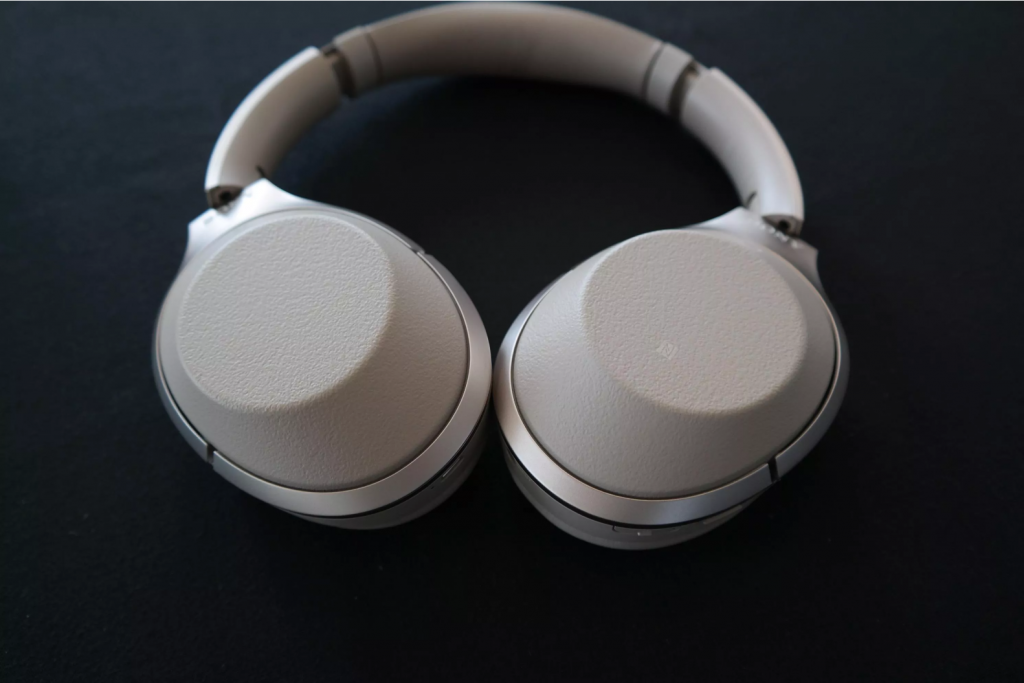 WH-1000XM2 in beige
