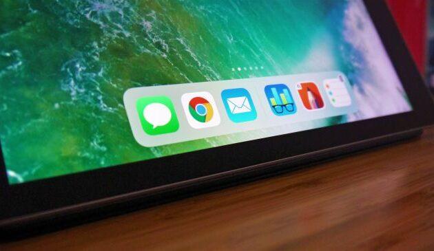 Apple non ha aumentato la densità dei Pixel rispetto agli anni precedenti, ma sinceramente non vediamo la necessità di infarcire lo schermo di puntini. Il bordo lo avremmo gradito un pochetto più sottile