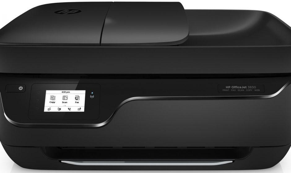 Stampante HP OfficeJet 3833 recensione. Costa poco, lavora benino