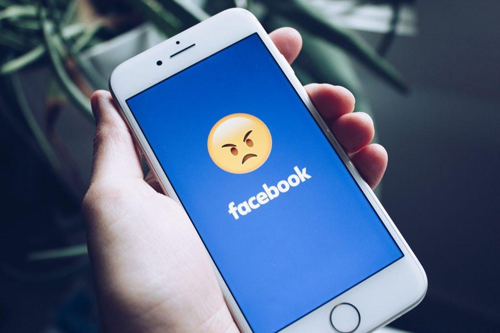 Come bloccare un utente su Facebook