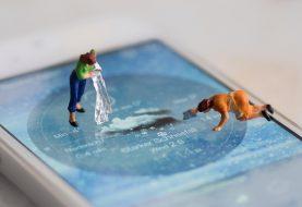 Come pulire lo smartphone e lo schermo senza rovinarlo