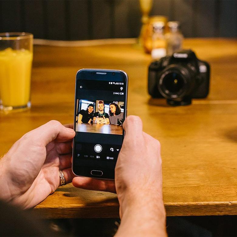 Canon EOS 2000D condivisione immagini
