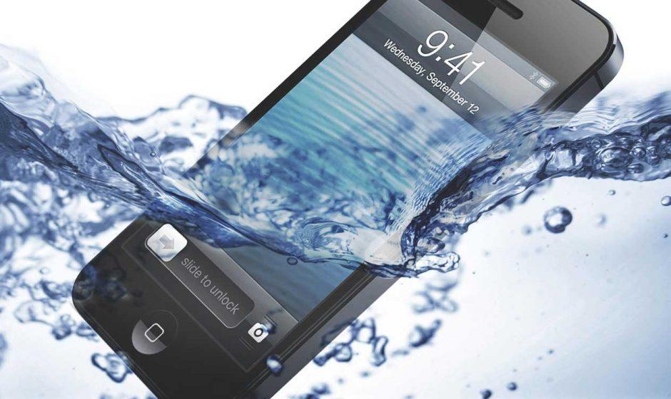 Come riparare un telefono danneggiato dall'acqua